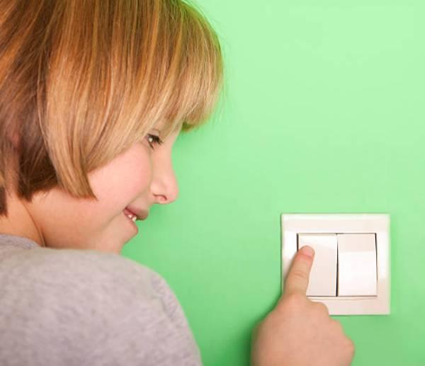 enseñar a los niños ahorrar energía