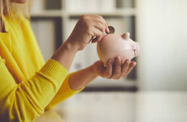 ahorra dinero cambiando comercializador de la luz